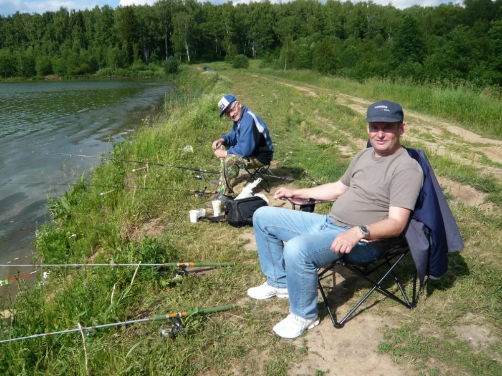 С рыбалки мужчина вернулся с котиками вместо рыбы